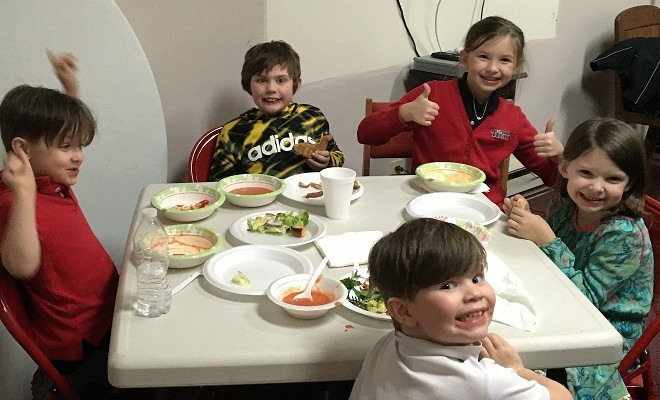 soup dinner kids table